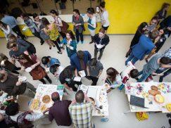 Zahranièní studenti Univerzity Tomáše Bati ve Zlínì pøedstavili 5. dubna své zemì na International Festivalu. Prezentovali kulturní zvyklosti, obleèení i tradièní pokrmy.